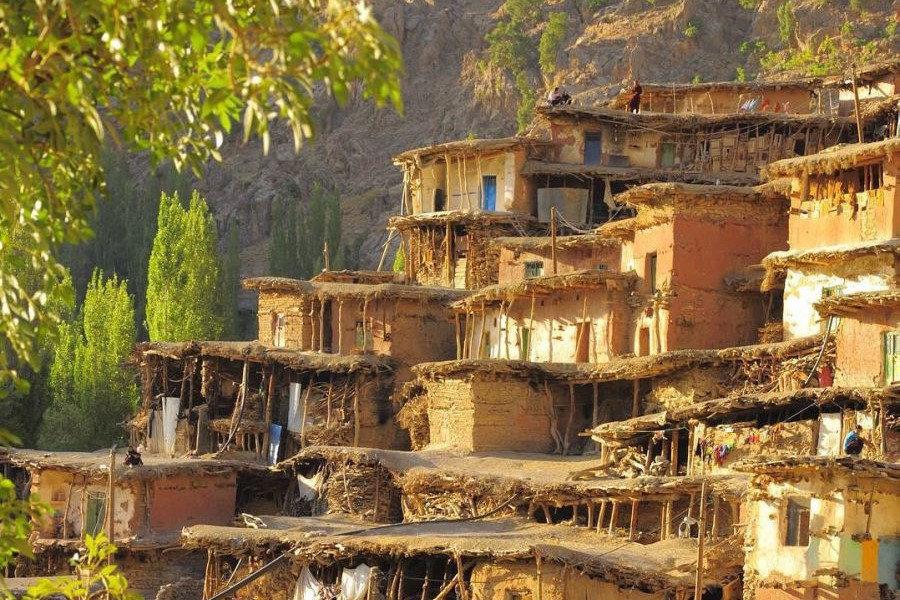 انشا مقایسه برخاستن از خواب در روستا و شهر_ensha.org